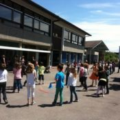 Transformer les écoles primaires en établissements du premier degré